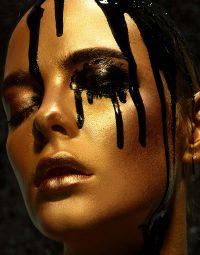 black-paint-drops-verticaal